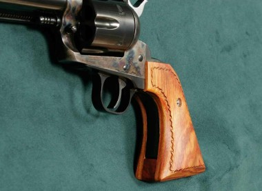 Showing the Ruger Vaquero Extended Grip from the Side